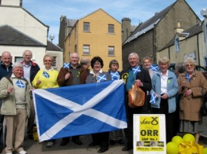Peebles turns out for the candidate!